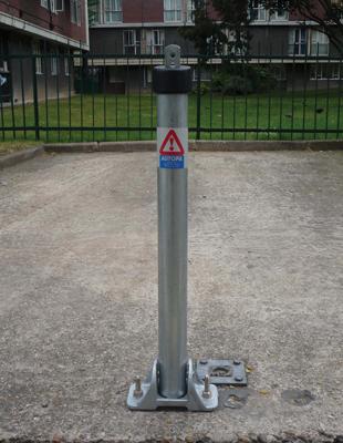 Galvanised-toplok-parking-post_0