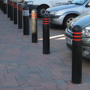 Domedtoprecycledplasticbollard