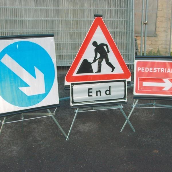 344b0973_trio_folding_traffic_signs