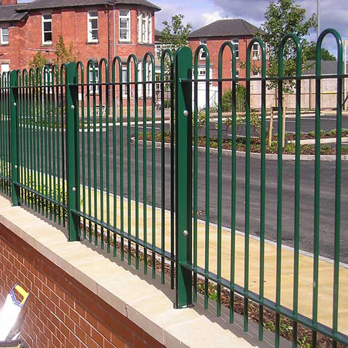 Railings-standard-bow-top-railings-highbury-vale-hospital-nottingham