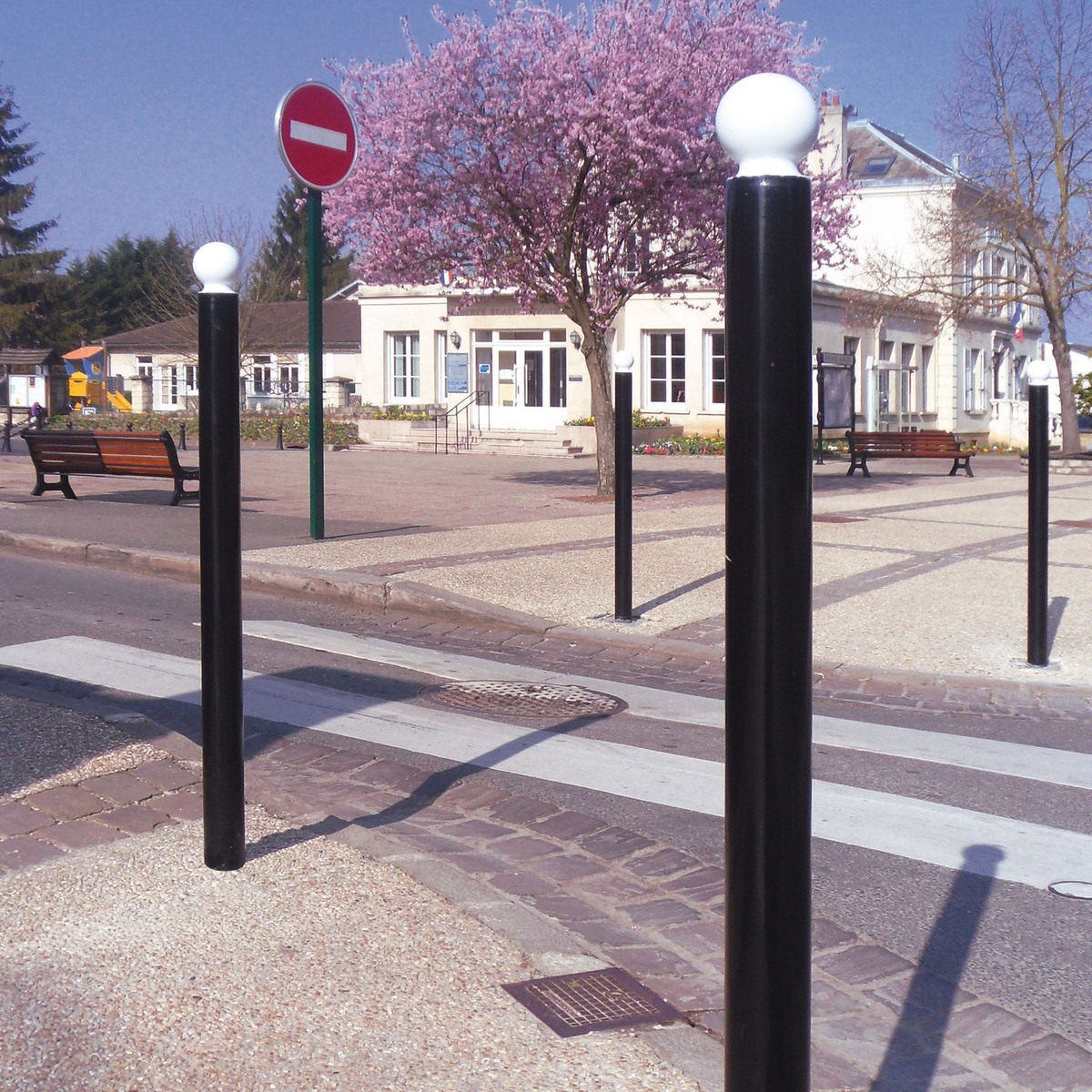 Dda_sphere_top_bollard