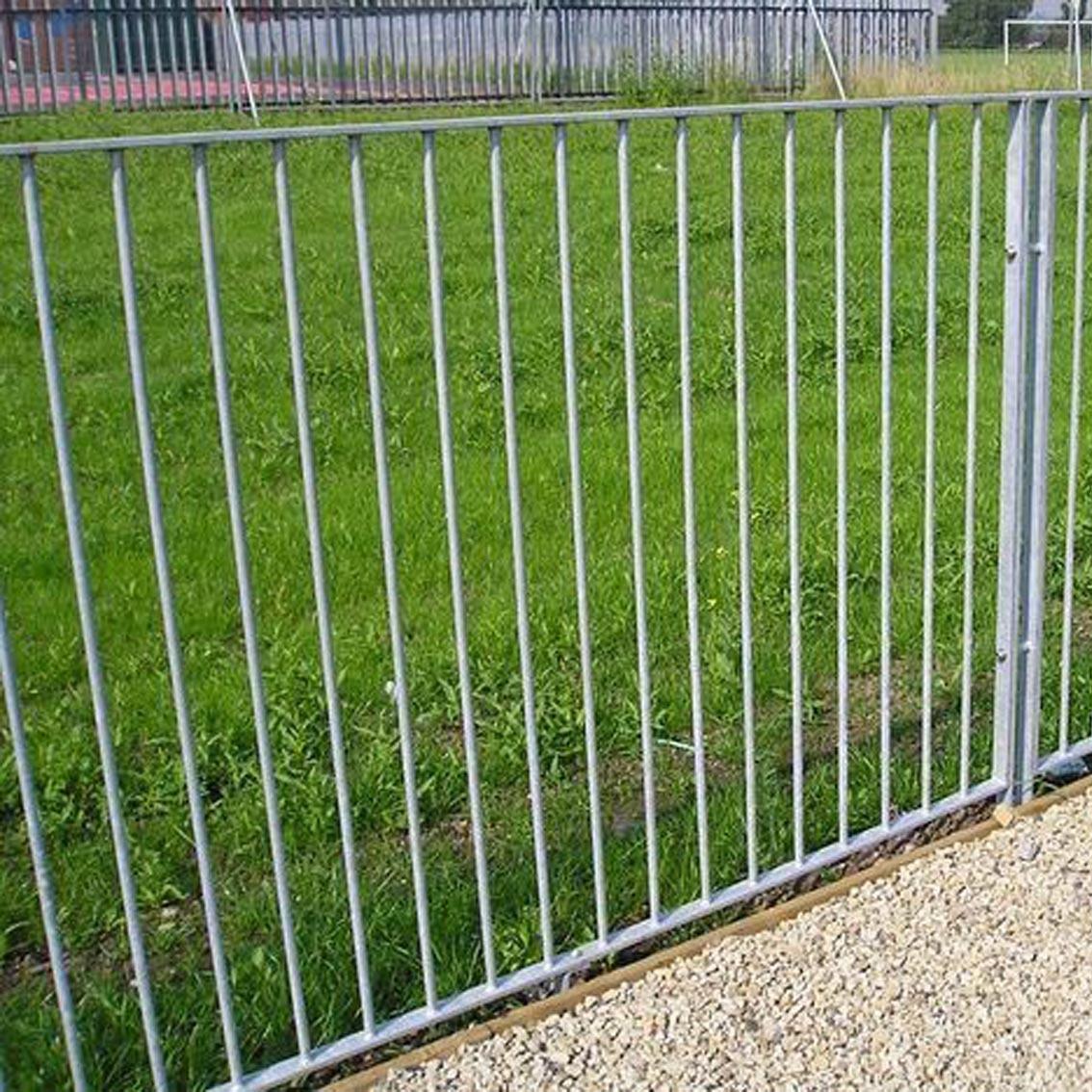 Flat_top_fencing_rail_galvanised