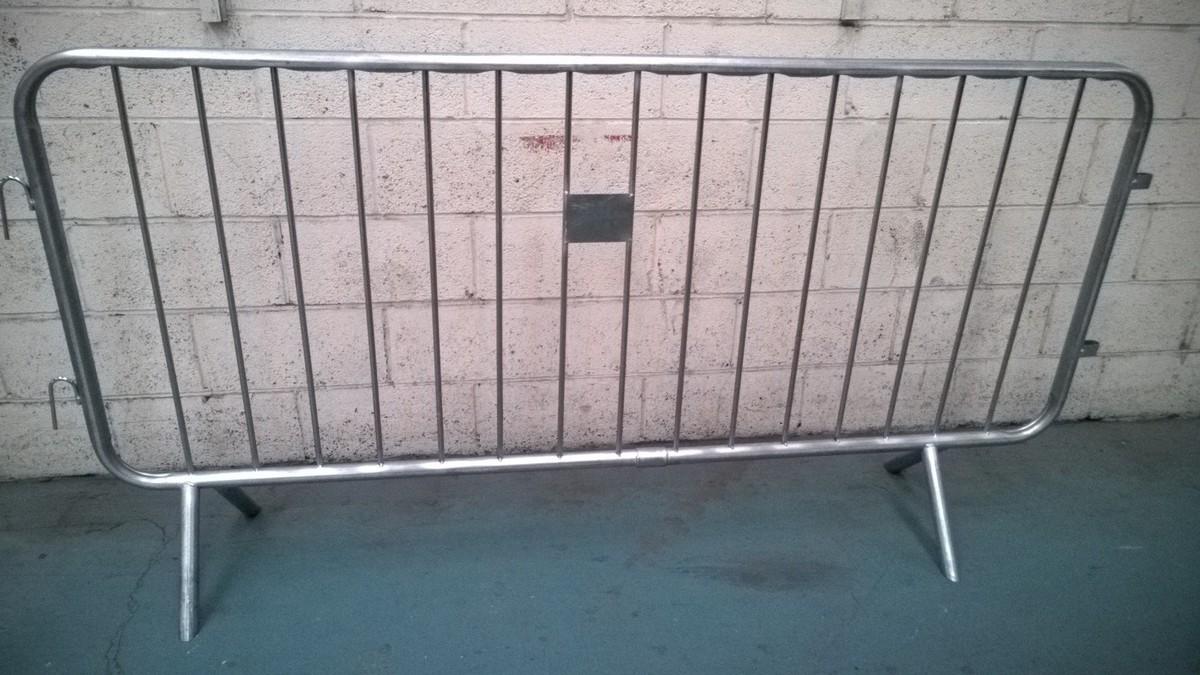 2_3mtr_fixed_leg_barrier