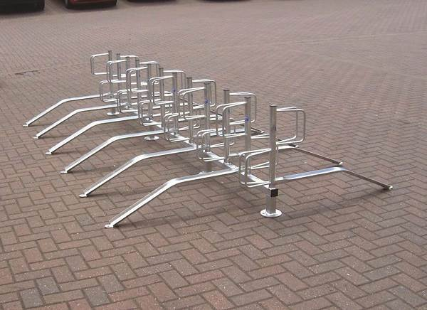 00-01_type_e_cycle_rack_2small